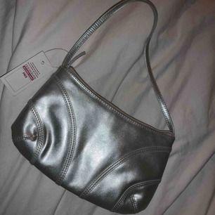 Enkel och fin väska i bra skick!!
