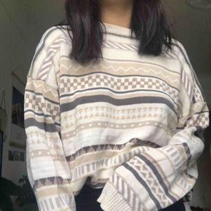 Jättemysigt stickad tröja!!! Köpt secondhand.