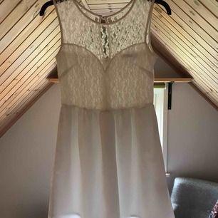 Fin vit klänning