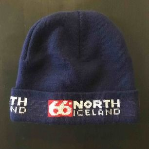 Mössa från 66 North. Hipstermössa från Island 🙂 Sparsamt använd. Fin passform.