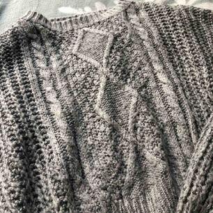 Säljer min gråa stickade tröja