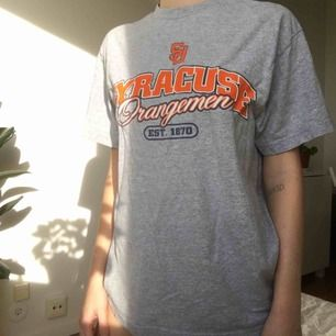 Oversize t-shirt passar XS-M.
