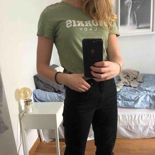 Grön t-shirt från MORRIS. Använd fåtal gånger så den är i fint skick🤠🤠