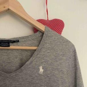 Långärmad v-ringad tröja från Ralph Lauren! fint skick☺️