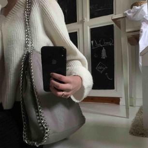 Väska från Scorett i färgen grå.😌 Mycket fint skick, 100 kr+frakt🥰