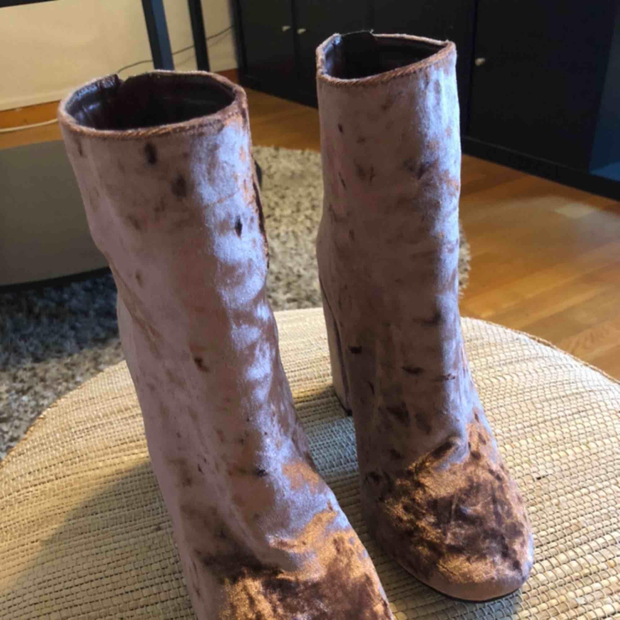 Boots från Nelly (nya). Skor.
