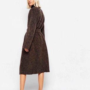 Världens mysigaste kappa från weekday, min favorit som tyvärr måste hitta en ny garderob. Ull och alpacka!