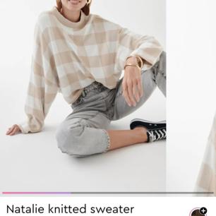 Någon som säljer denhär tröjan från Gina Tricot??? Söker i storlek S eller M (XS funkar med). Hit me up om du har en så kan vi diskutera pris!! 😭❤️
