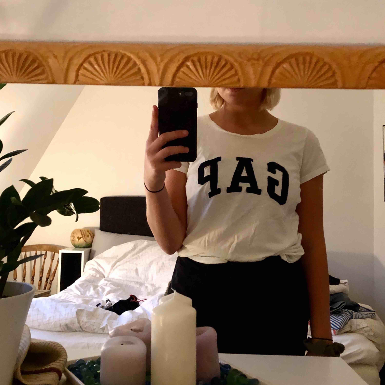 Fin t-shirt från GAP. Använd fåtal gånger. T-shirts.