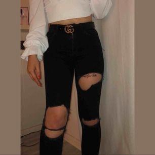 Oanvända jeans från gina tricot. Jag är 167 cm och dom passar perfekt