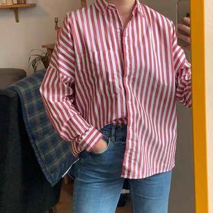Skjorta från bershka, frakt 42kr