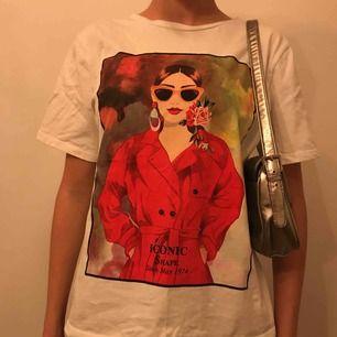 Najs t-shirt från Zara🤩 Fint skick❤️