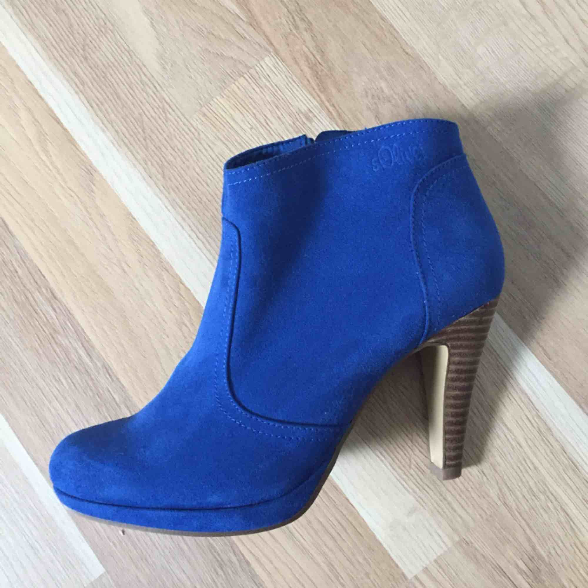 High heel  New!!! Not worn!!!. Skor.