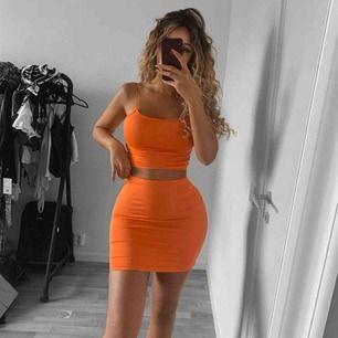 Säljer detta superfina och jättestretchiga orangea setet 😍 Sjukt skönt set som framhäver kurvorna så fint. ❤️Finns i storlekarna S, M, L! Endast en av varje finns kvar nu 🥰Följ oss på instagram: quaintrellese  ❗️bara M och L kvar ❗️