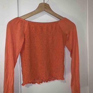 Jättefin långarmad tröja från Gina tricot. Aldrig använt