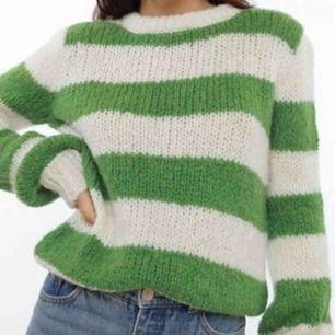 Populär stickad tröja från Chiquelle som är slutsåld på deras hemsida. Tar emot swish