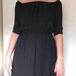Svart klänning från bikbok, endast använd ett fåtal tillfällen