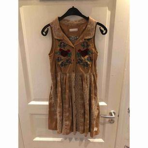 Jag säljer min odd molly klänning i storlek 1. Helt ny aldrig använd.