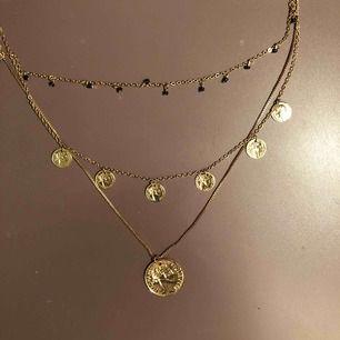 Superfint halsband från H&M med tre kedjor! Nyköpt och i fint skick 😊 frakt tillkommer