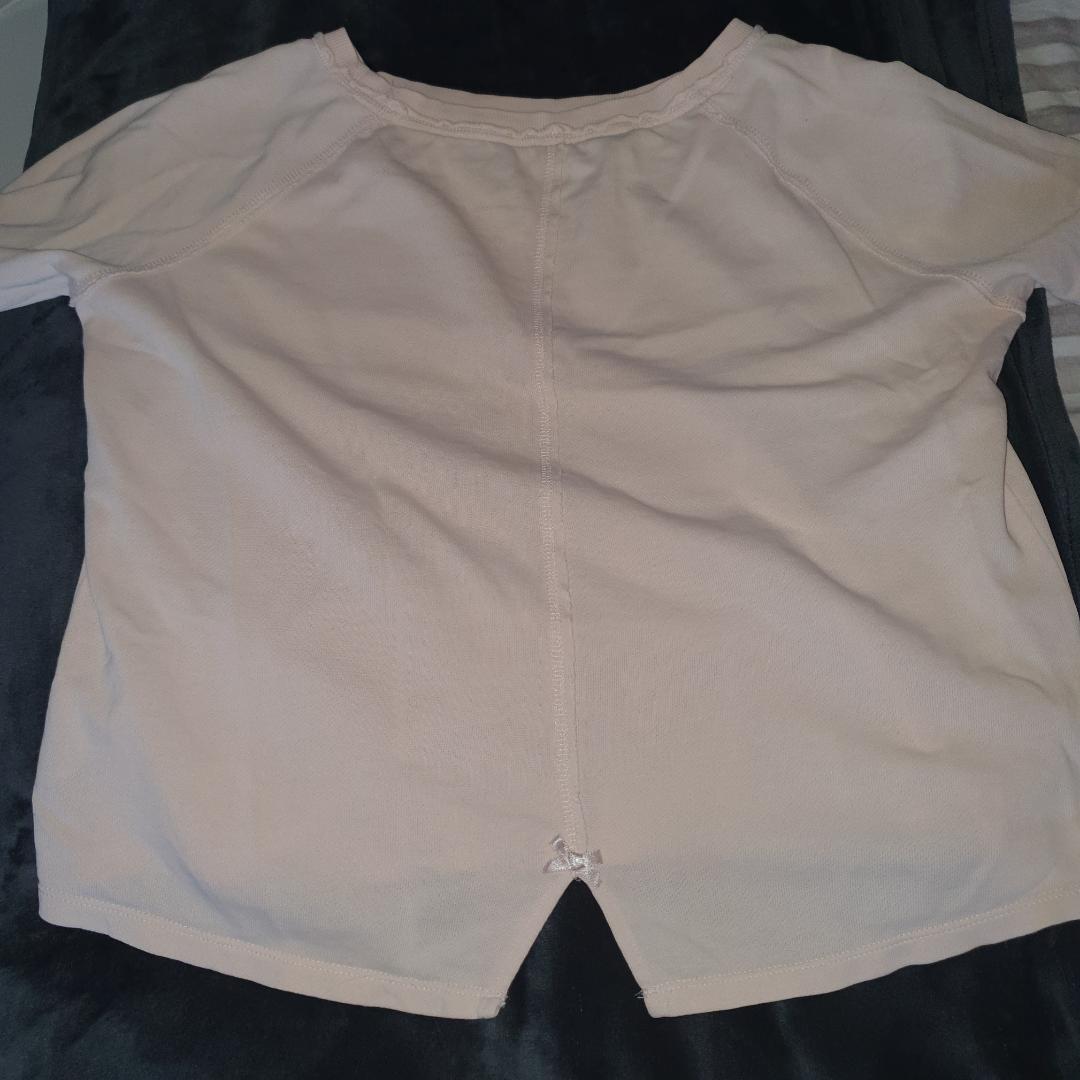 Fin tröja från Odd Molly som tyvärr inte längre kommer till användning. Jag fraktar gärna men kan även mötas upp💓💓. Tröjor & Koftor.