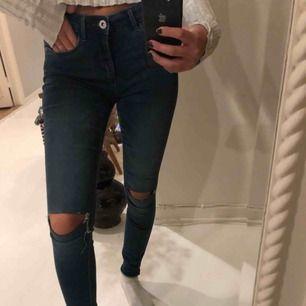 Stretchiga jeans från only! Använt dem fåtal gånger💕