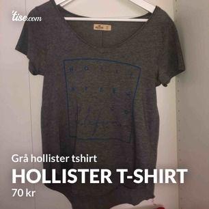 Grå hollister tshirt med lite mer v-ringning än vanligt. Köptes för 250kr men säljer för 70kr. Storlek S #hollister #grå #tshirt