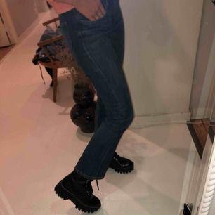 Bootcut byxor om man är kortare än mig (163)! Man kan annars ha dem till boots exempelvis💕💕😊