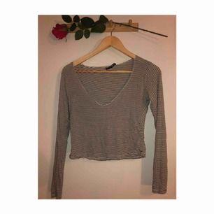Helt NY tröja från Brandy Melville! Världens skönaste material också!