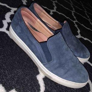 Mocca skor, blå, gel sula, 38.