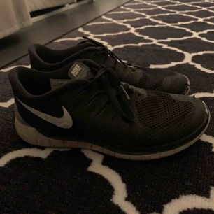 Nike freerun, svart, 38, använt skick