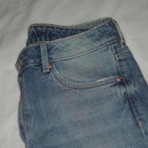 Mom jeans med hål. Jätte fina! Men förstora😣❤. Jeans & Byxor.