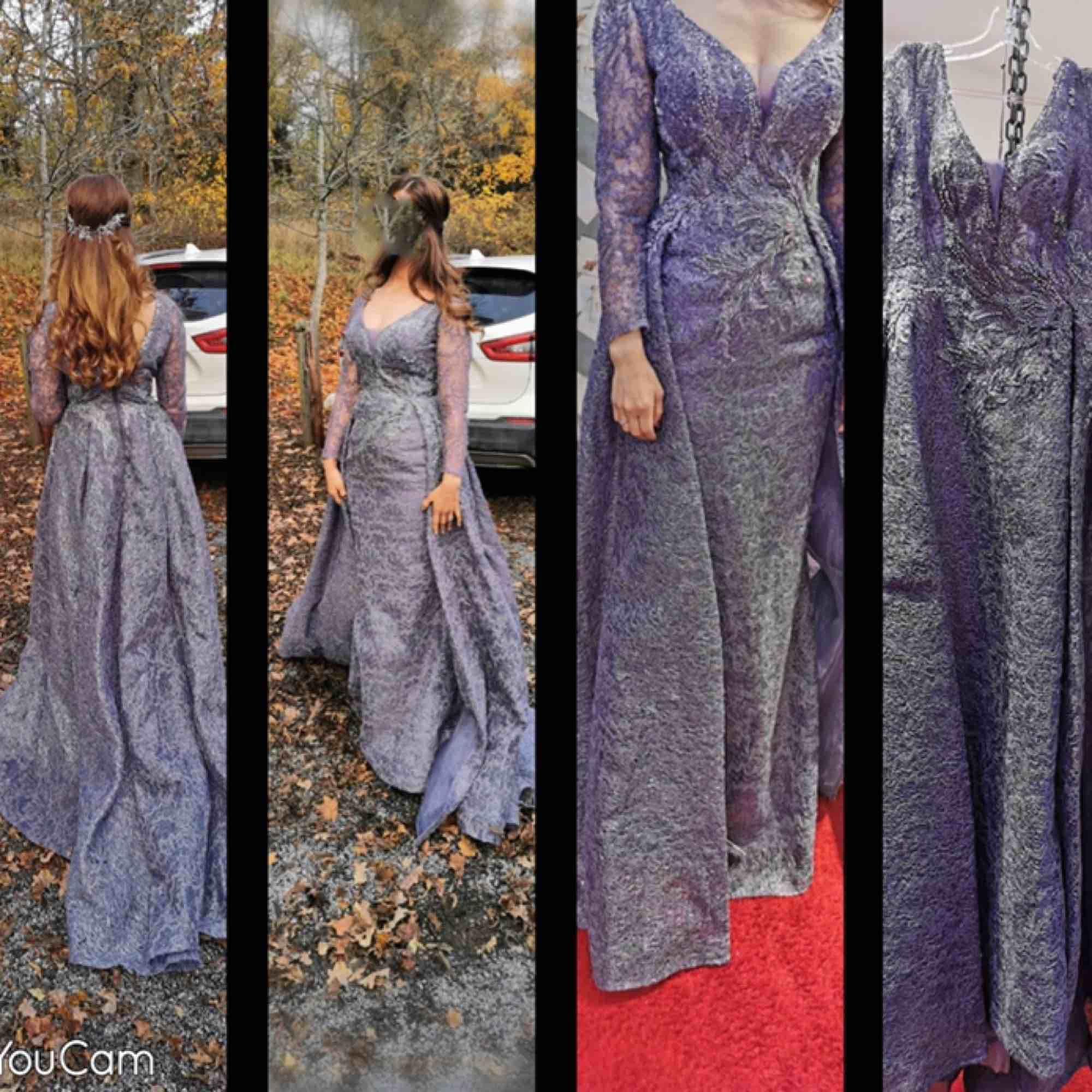 fest klänning använd bara en gg väldig bra skick och ingen fel på den jag köpte den för 5500kr och sälja nu för 3500kr . Klänningar.