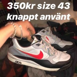 Nike air Max ACG skor i storlek 43 sparsamt använda