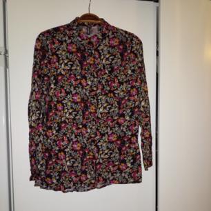 Mönstrad skjorta från H&M