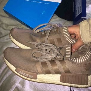 Skor Adidas nmd runner pk , säljer för dom är för stora för mig köpa förra året för 1700kr på zalando