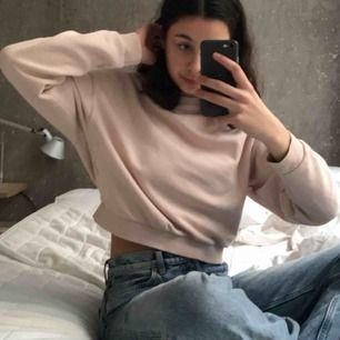 Rosa sweatshirt i bra skick från h&m🥰🥰