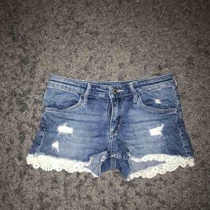 Shorts , köparen står för frakt