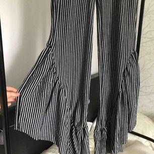 Randiga flarr byxor från Zara