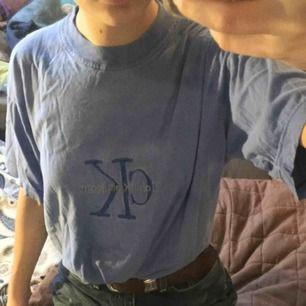 En Calvin Klein t-shirt. Köpt second hand!
