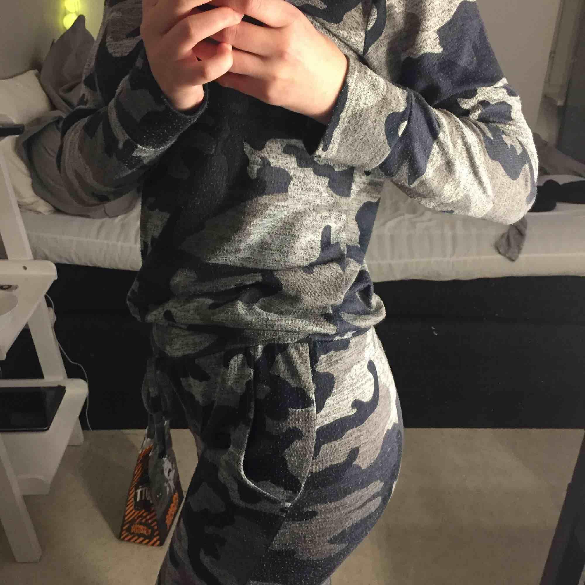 En sån Classic militär dress från madlady, super skön å mysig men jag använder tyvärr ej längre och vill gärna få bort så snabbt som möjligt. Priset kan diskuteras 💞. Övrigt.