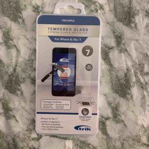 Säljer detta helt nya skyddsglas till apples telefoner 6, 6s, 7. Säljs p.g.a har köpt en ny telefon. 55kr plus frakt📞💫