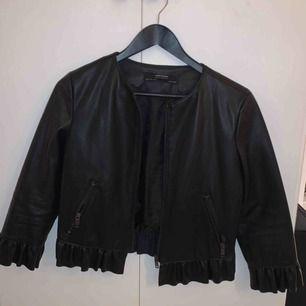 Säljer pga används för sällan, får ej plats i garderoben.  Möts i Stockholm eller fraktar mot kostnad