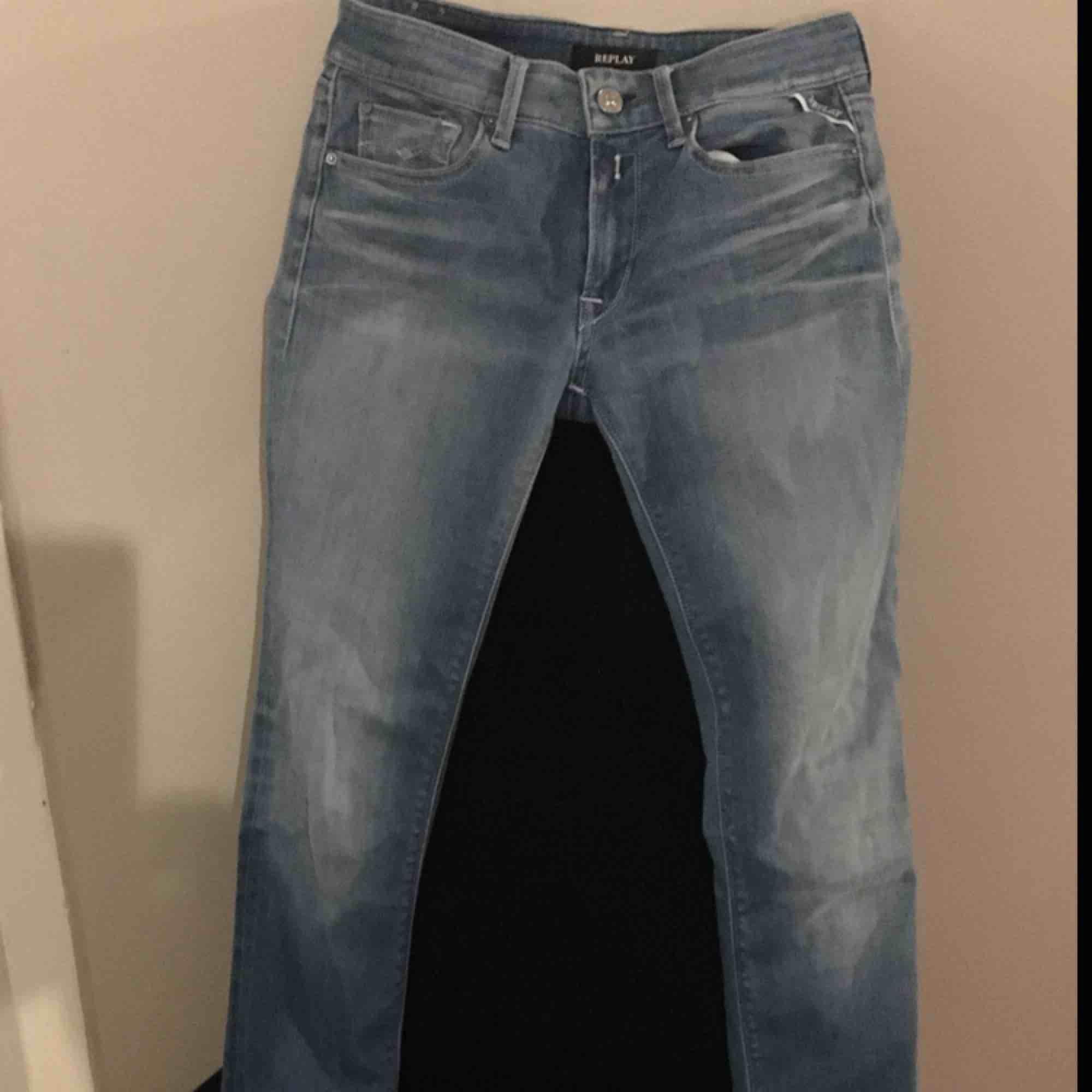 Replay Luz Pants hyperflex i nyskick, använda 2 ggr. Väldigt stretchiga och supersnygg tvätt. Jeans & Byxor.