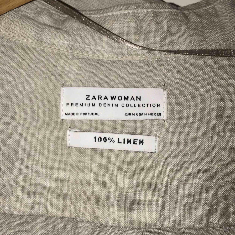 Linnés skjorta. Ej använd, pga av fel köp och borttappat kvitto.. Stl M, härligt material. Hör av dig om du är intresserad.  Vänligen, Filippa . Skjortor.