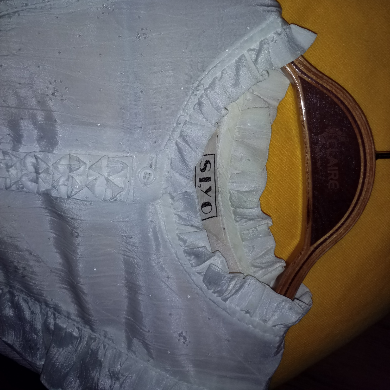 Sjukt fin vintageskjorta med krås. Blusar.