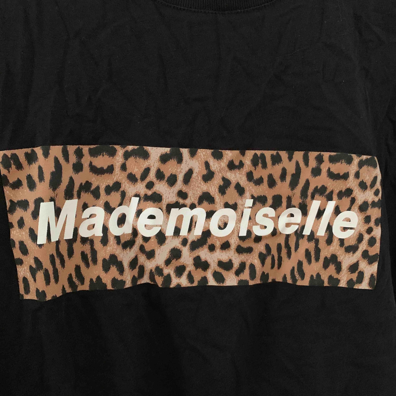 Tröja från Gina tricot, aldrig använd!  Köparen står för frakt:). T-shirts.