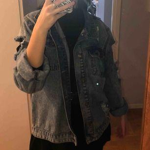 Jeans jacka från ett märke sommarteater Deviśe köpt i london