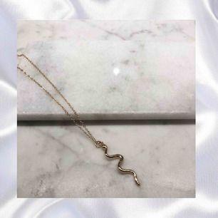 Ett snake Guld halsband