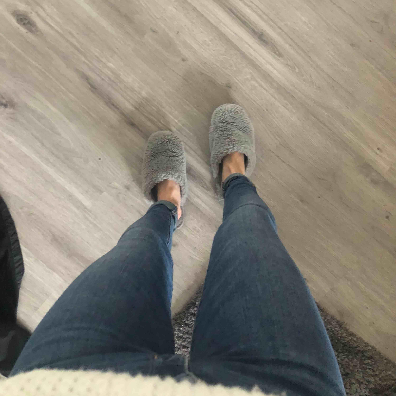 Äkta Levis jeans strl 23 super fina och sitter verkligen som en smäck . Jeans & Byxor.