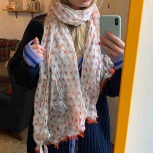 Äkta stenströms sjal/halsduk av 100% linne, aldrig använd. Jag betalar frakt ✨